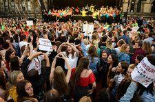 Manchester Unites in Song to Remember Victims of Ariana Grande Arena Bombing
