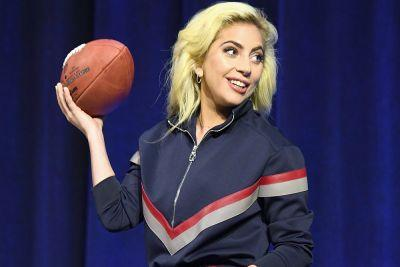 Gaga warms up for the Super Bowl in her underwear