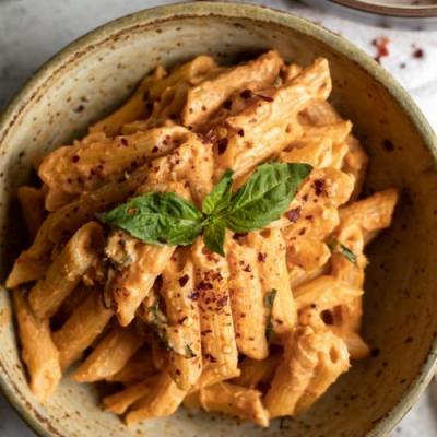Creamy Vegan Roasted Tomato Sauce