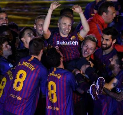 Rakitic lost for words as Iniesta heads for Barcelona exit