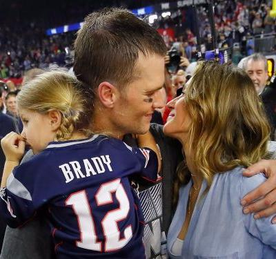 Gisele Bündchen had to comfort her children with Tom Brady after the Patriots' Super Bowl loss
