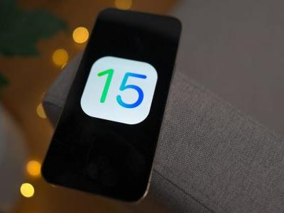 Apple patches zero-day flaw in iOS 15, but without crediting outspoken researcher