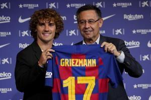 Griezmann signs 5-year contract with Barcelona