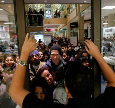30 photos of Black Friday that will make you not want to leave your house