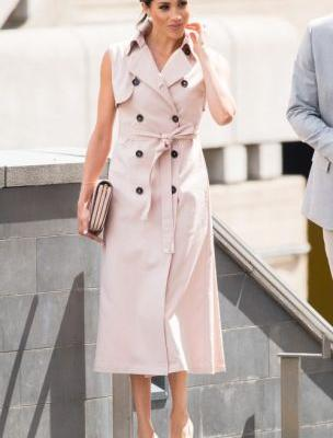 Meghan Markle Wore a Sleeveless Trench by Nonie-Plus 50 More Celebs Wearing Canadian!